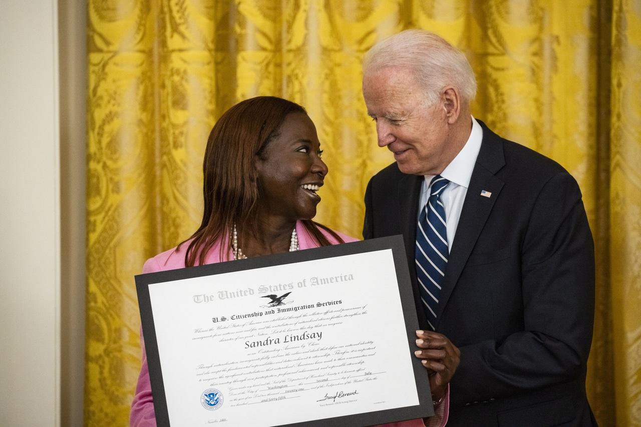 Insiste Biden en la reforma migratoria
