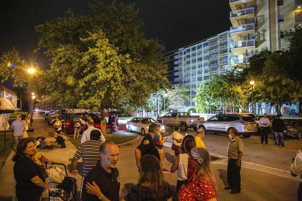 Dos nuevos cadáveres son extraídos tras derrumbe del edificio en Miami