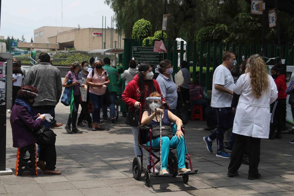 México suma 233 mil 580 muertes por COVID-19