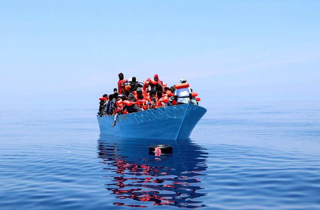 Naufragio frente a la costa de Túnez deja 43 muertos