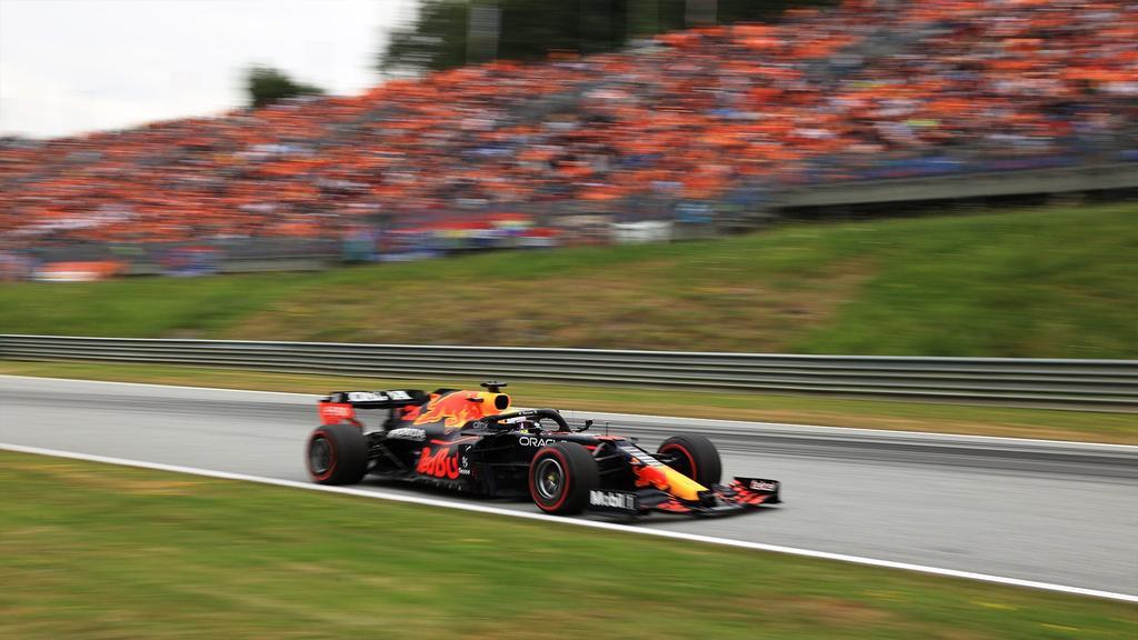 Checo Pérez cae en el GP de Austria en quinto lugar; Verstappen encabeza el podio