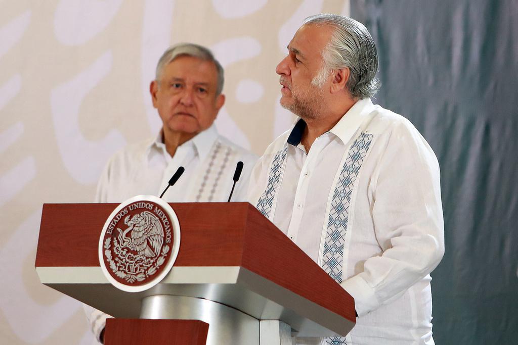 Miguel Torruco, titular de la Secretaría de Turismo, critica a la banca mexicana