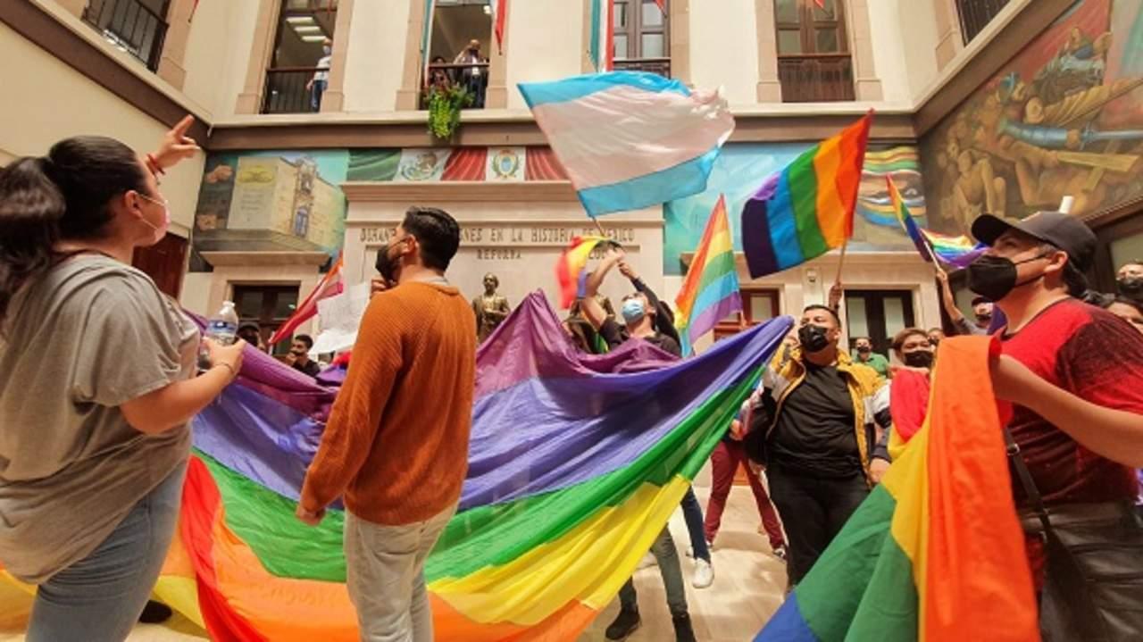 Congreso rechaza discutir matrimonio igualitario