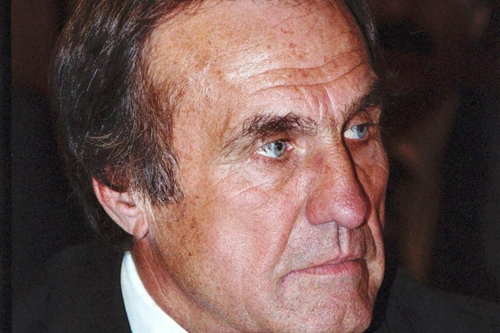 Carlos Reutemann, expiloto argentino de Fórmula Uno, muere a los 75 años
