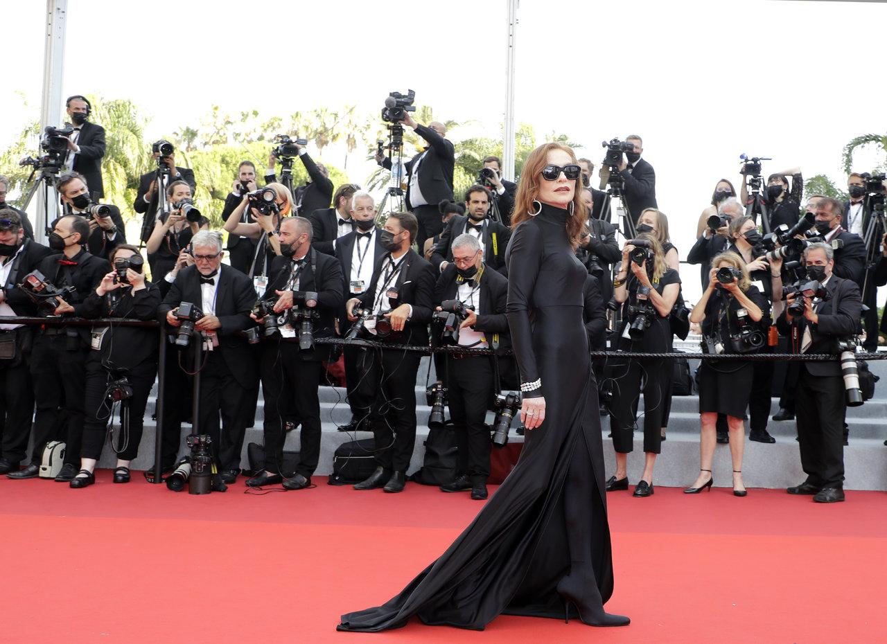 Sophie Marceau e Isabelle Huppert llevan el glamour francés al Festival Cannes