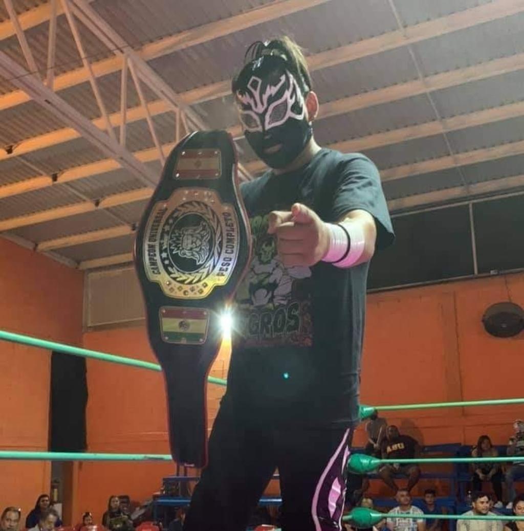 Lucha de campeonato en el 'Jueves Nice' de Tony Arellano