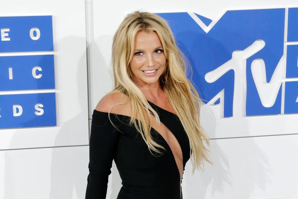 La madre de Britney Spears pide que la cantante pueda escoger a su abogado