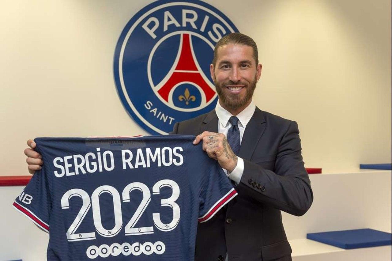 Sergio Ramos firma por dos años con PSG