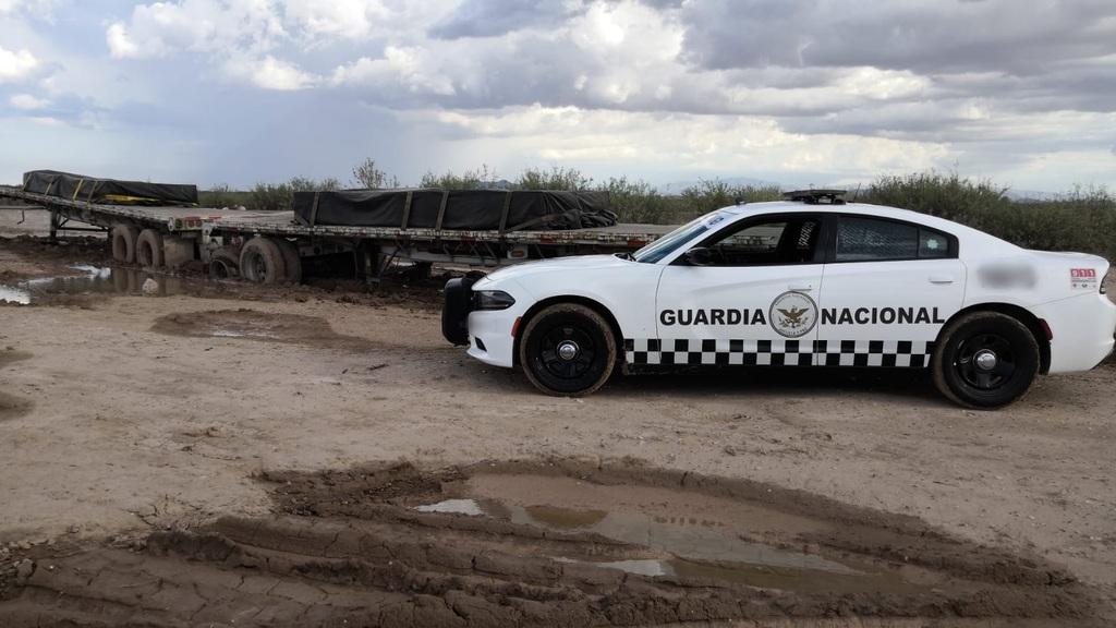 Elementos de la Guardia Nacional recuperan remolque robado en Bermejillo