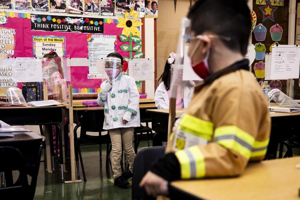 Las autoridades anuncian que no serán necesarios los cubrebocas en las escuelas de Estados Unidos