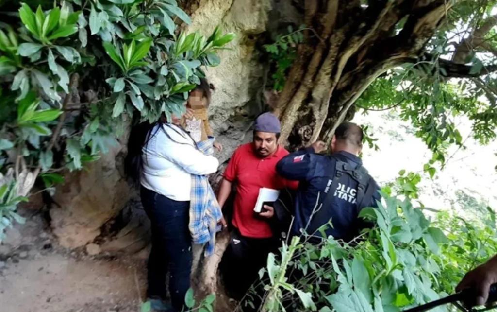 Niña de 2 años es encontrada en una cueva de la Sierra Sur de Oaxaca