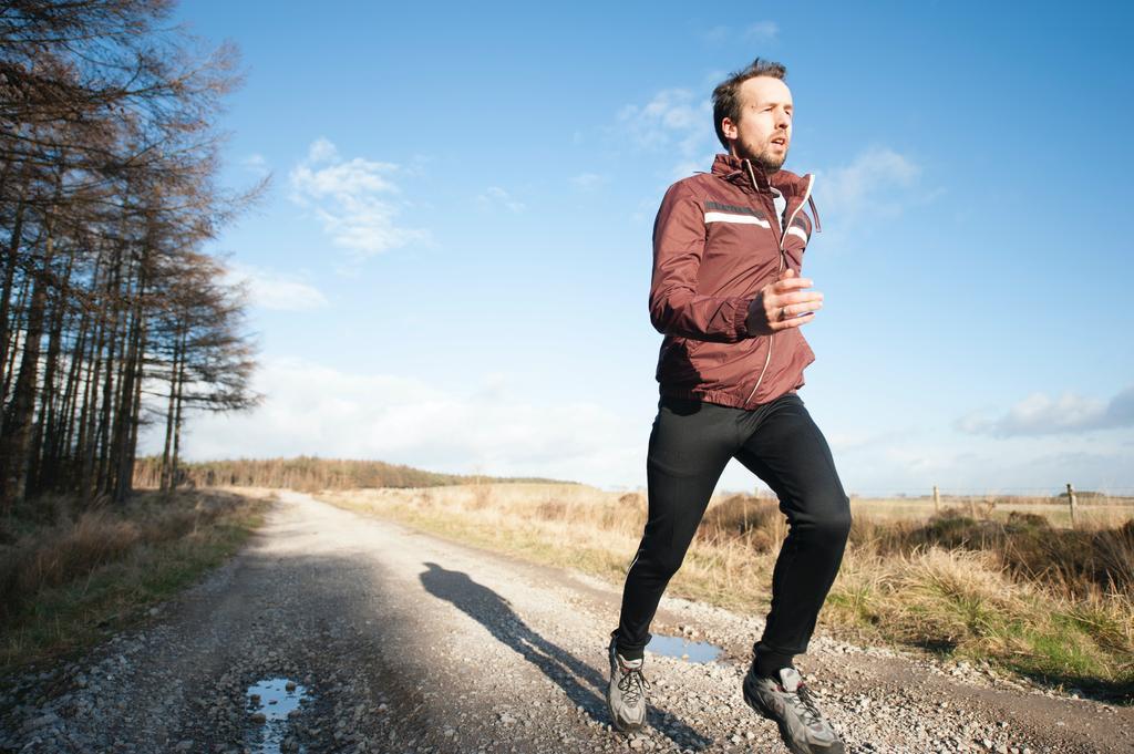 Esta es la razón por la que no debes estirar antes de correr