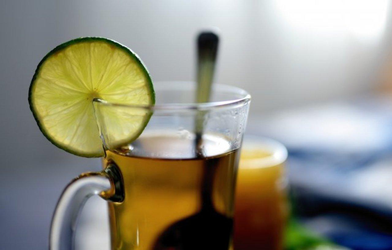 Aprende a hacer té de cáscara de limón
