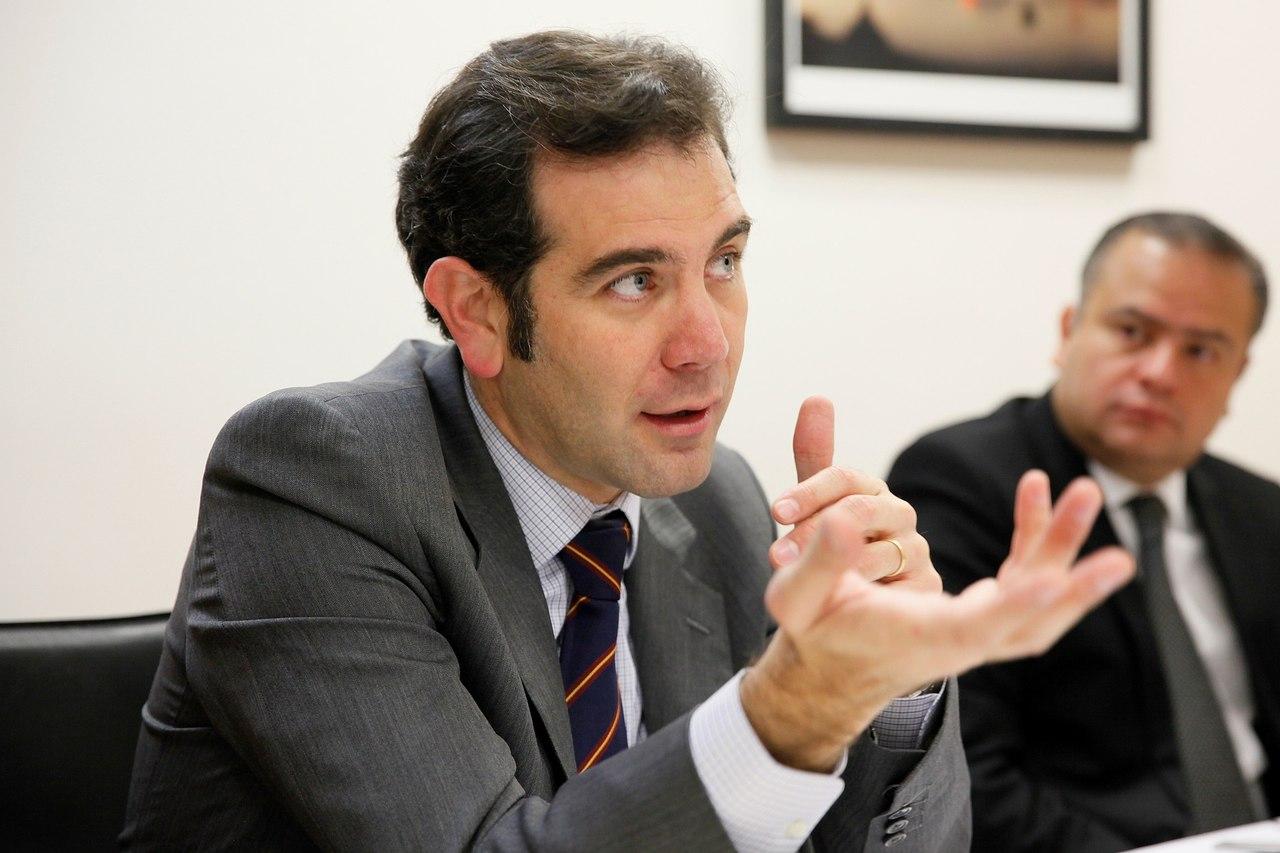 El INE niega desinterés  en la consulta popular
