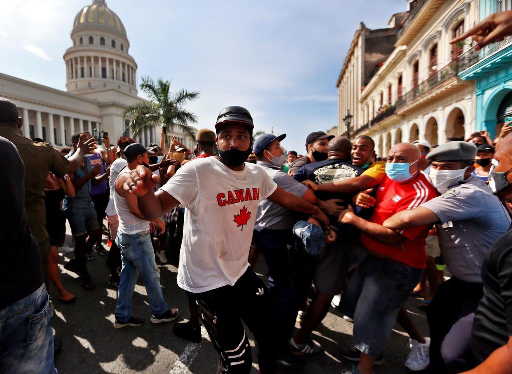 López Obrador ofrece medicinas, vacunas antiCOVID y comida a Cuba