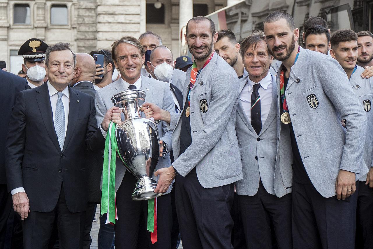Italia celebra con sus fanáticos el título de la Eurocopa 2020