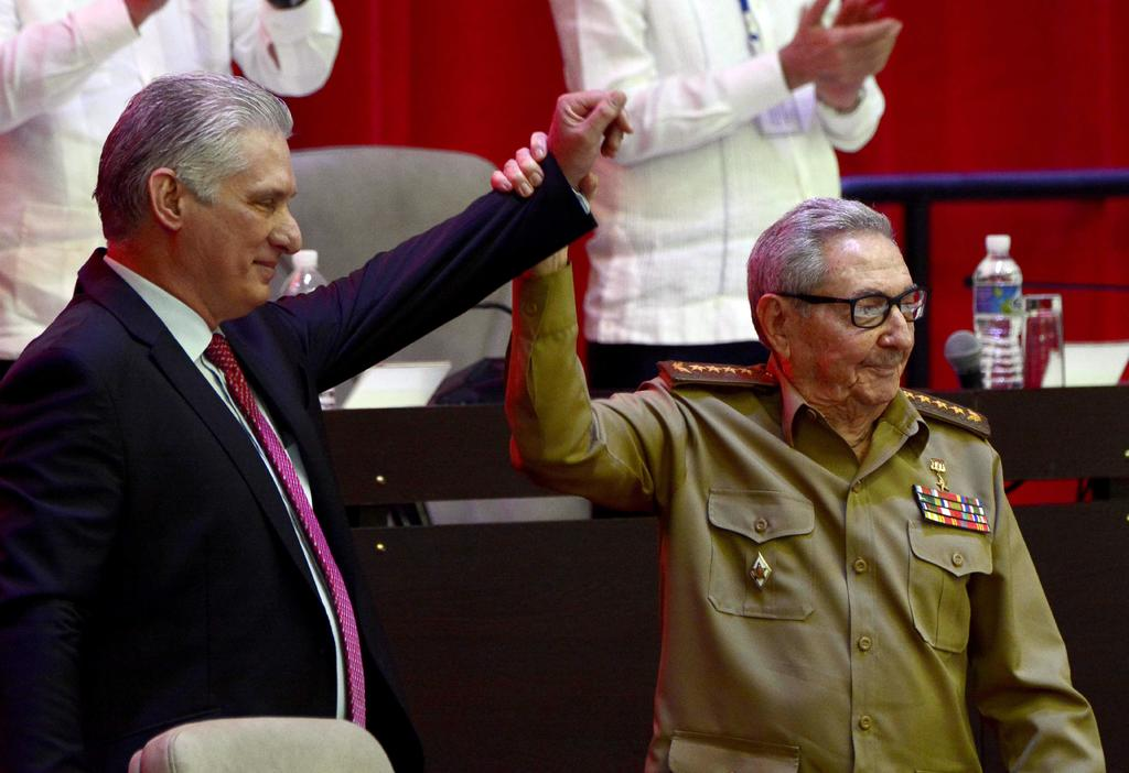 Expresidente Raúl Castro sostiene reunión por protestas en Cuba