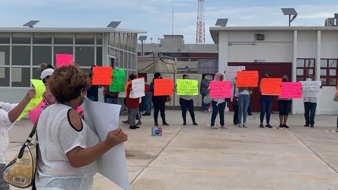 Familiares de internos acusan abusos en Cefereso 14