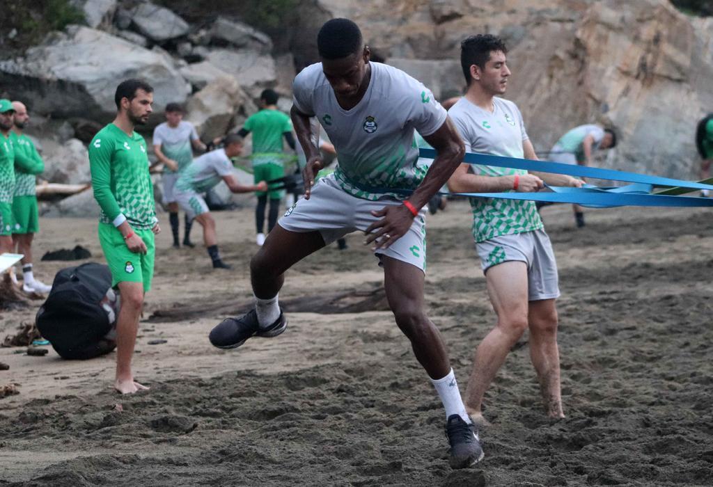 Gorriarán y Félix Torres ya realizan la pretemporada con Santos Laguna