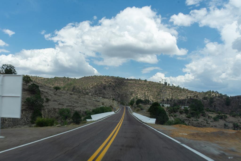 20 jóvenes de Durango se contagian de COVID-19 tras viaje de graduación