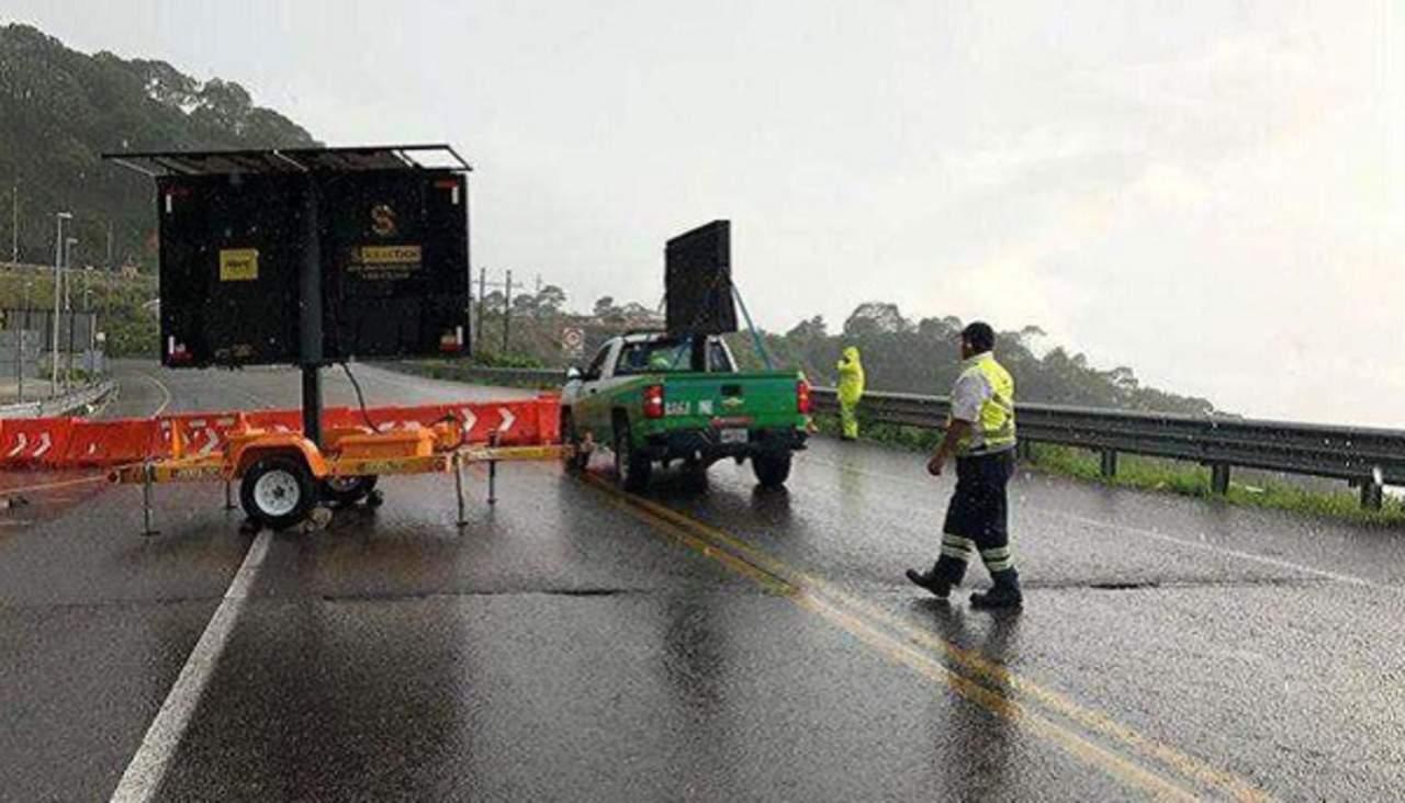 Camión se accidenta en la 'Súper' a la altura del Puente Baluarte