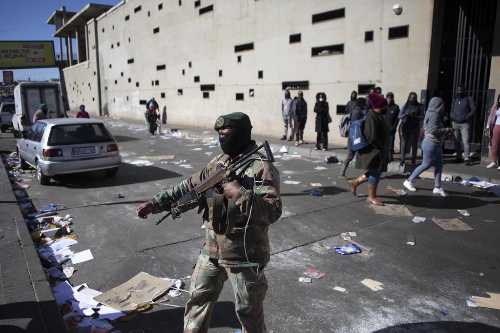 Disturbios sin precedentes dejan al menos 45 muertos en Sudáfrica