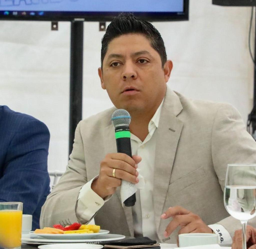 Ricardo Gallardo niega que exista investigación de UIF en su contra