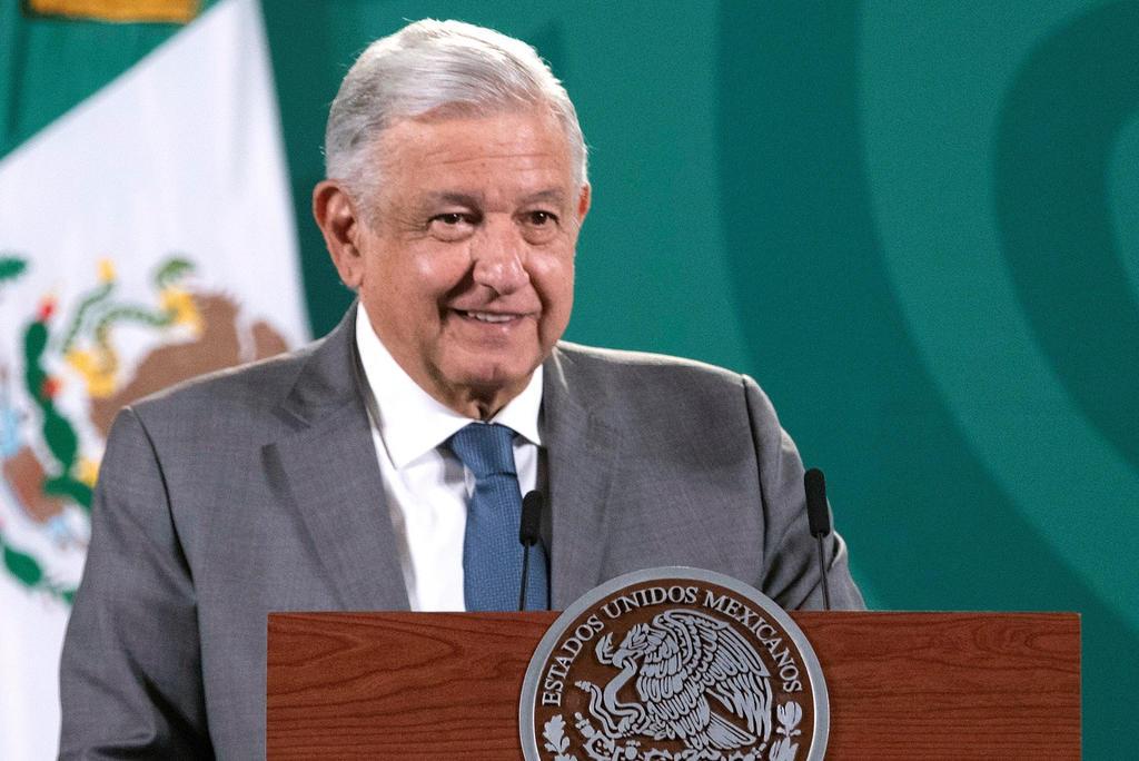 Gobernadores en funciones y electos de Morena se reúnen con AMLO en Palacio Nacional