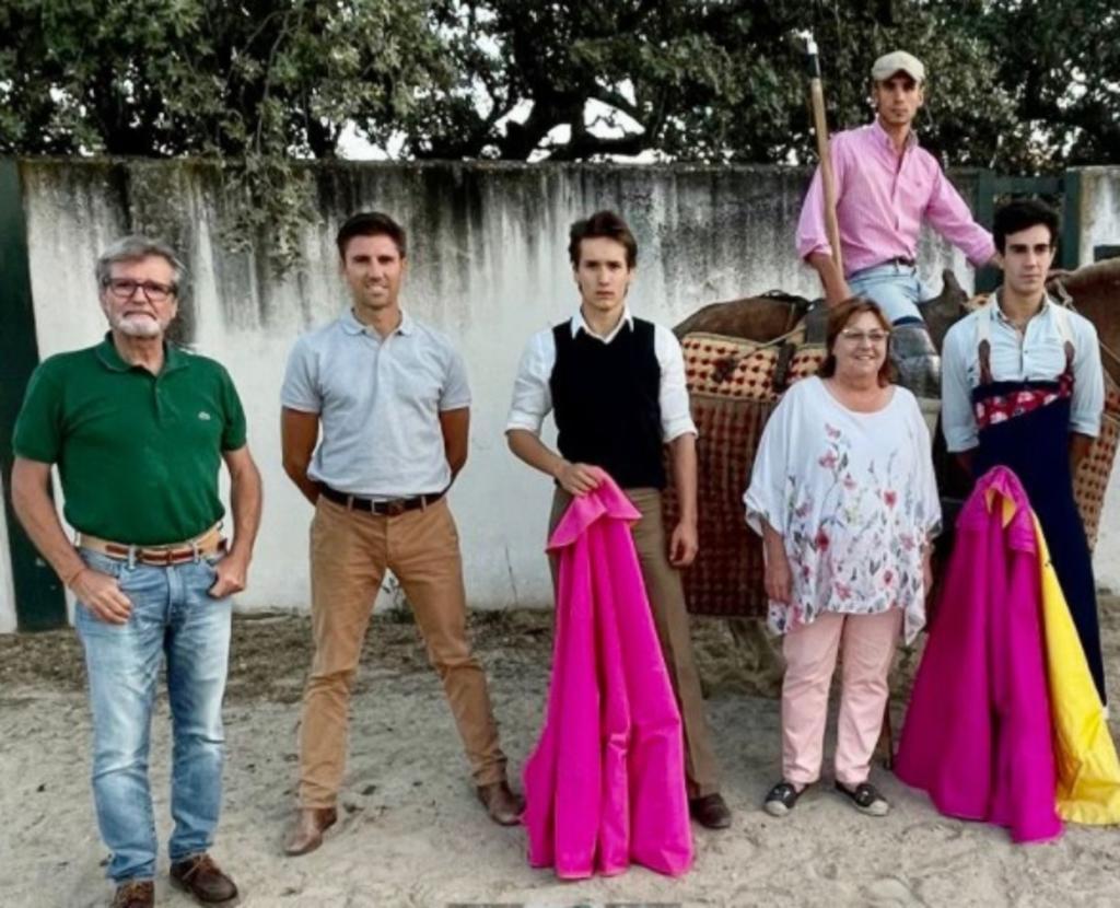 El novillero lagunero Arturo Gilio Quintero se mantiene en una ardua preparación en el campo bravo español