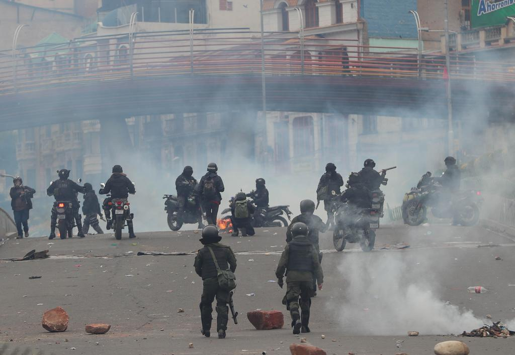 Policía de Bolivia confirma tenencia de equipo antidisturbios enviado por Argentina durante crisis de 2019