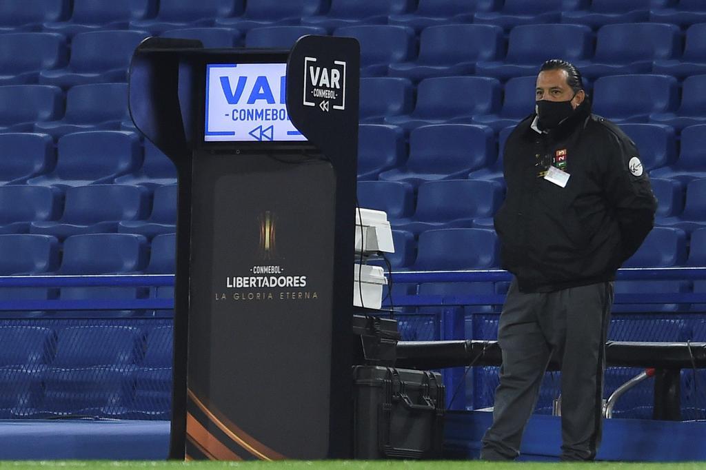 Conmebol suspende a cinco árbitros por 'errores graves' en Copa Libertadores