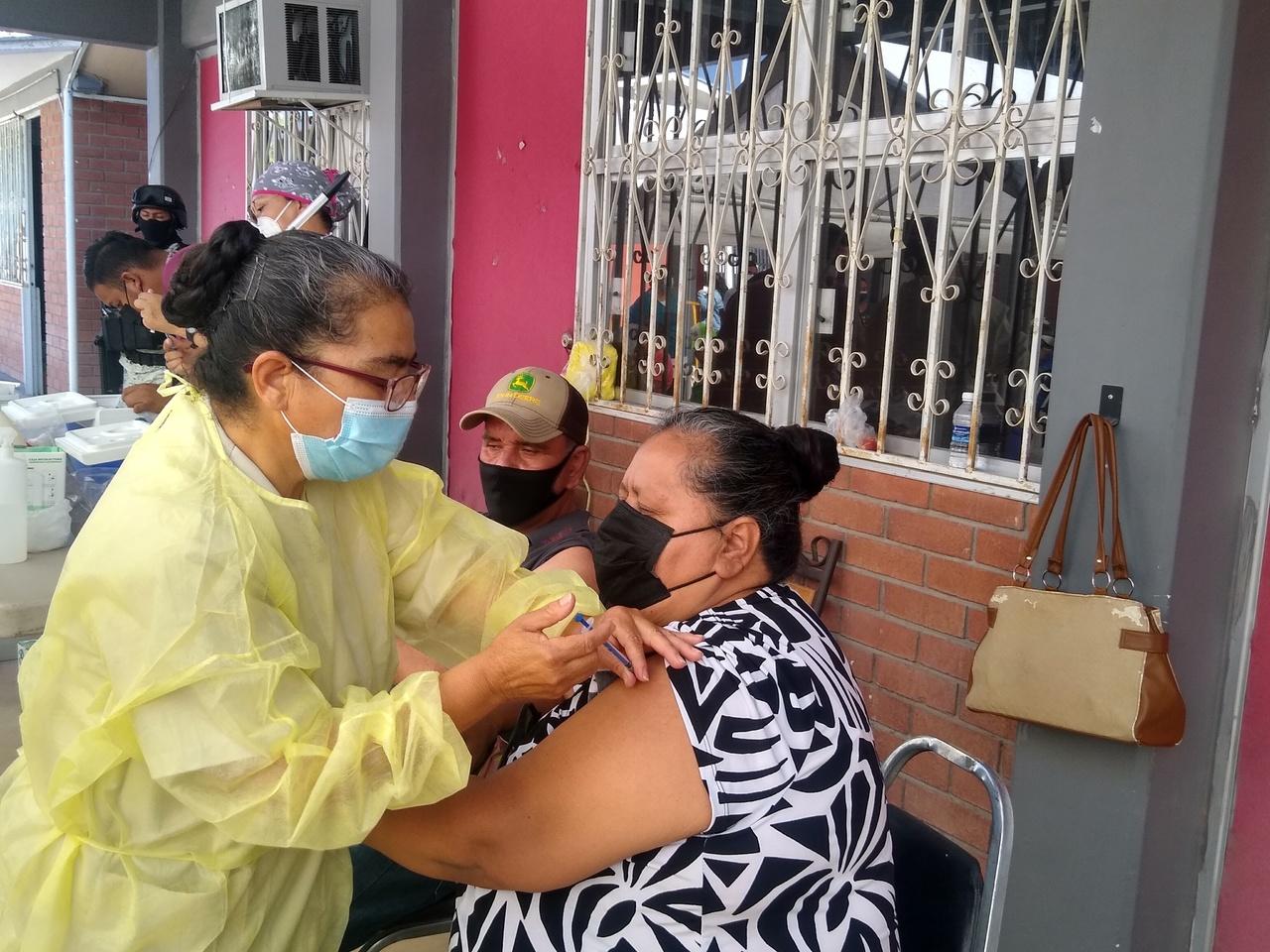 Llama Mesa de Salud a acelerar la aplicación de vacunas Covid