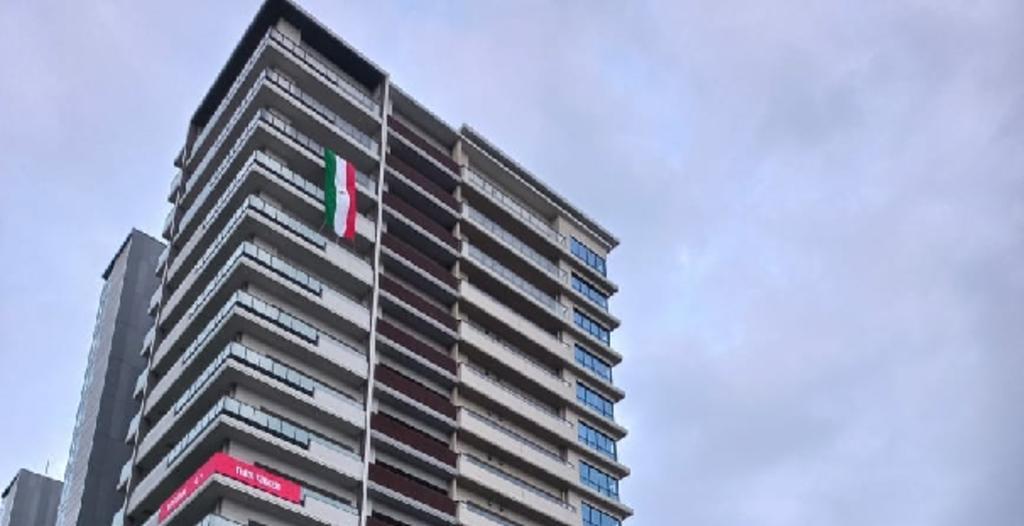 Bandera de México ya luce en la villa de los Juegos Olímpicos de Tokio