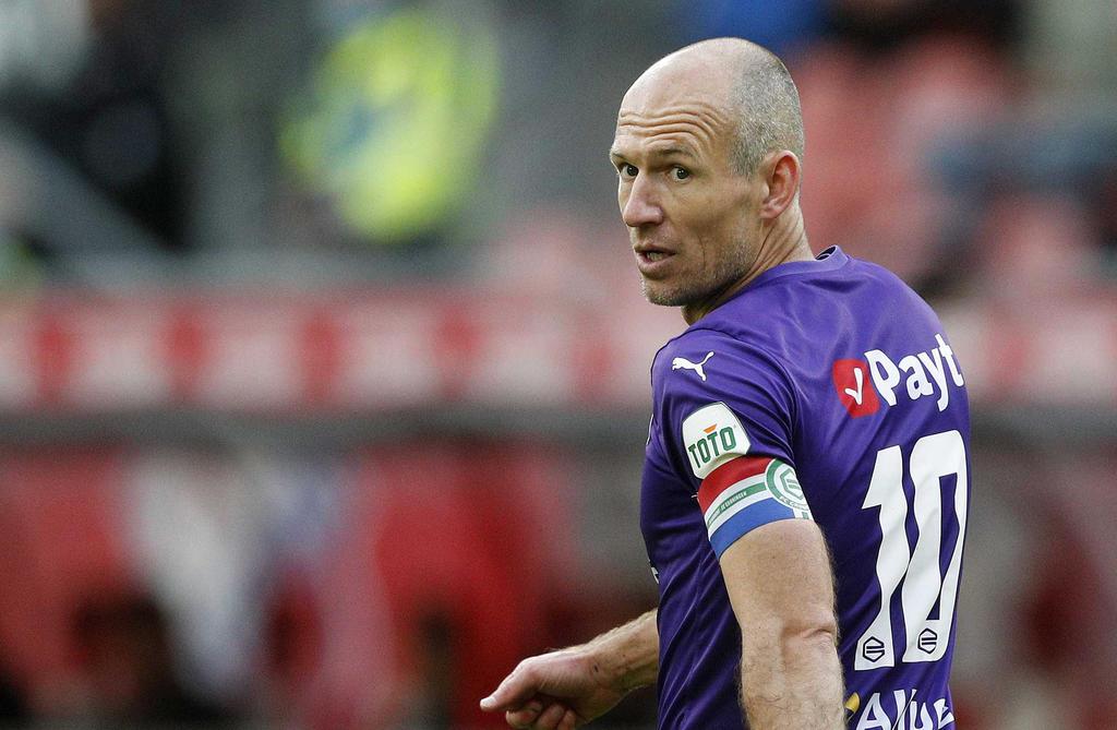 Por segunda vez, Arjen Robben anuncia su retiro del futbol