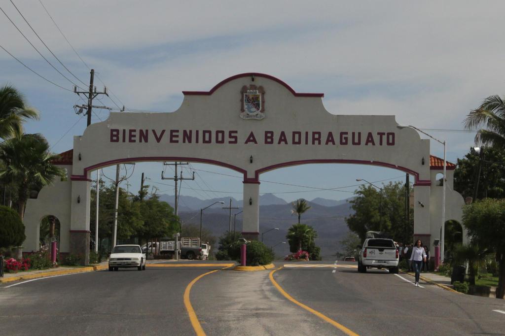En Badiraguato y la zona del Triángulo Dorado la gente está muy contenta con Sembrando Vida: AMLO