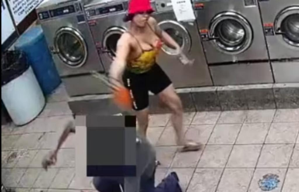 Mujeres dejan inconsciente a empleado de lavandería tras una discusión
