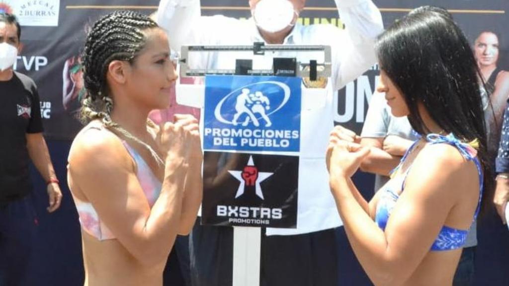 'La Pequeña Lulú' Juárez y  'La Bonita' Fernández cumplen con el pesaje
