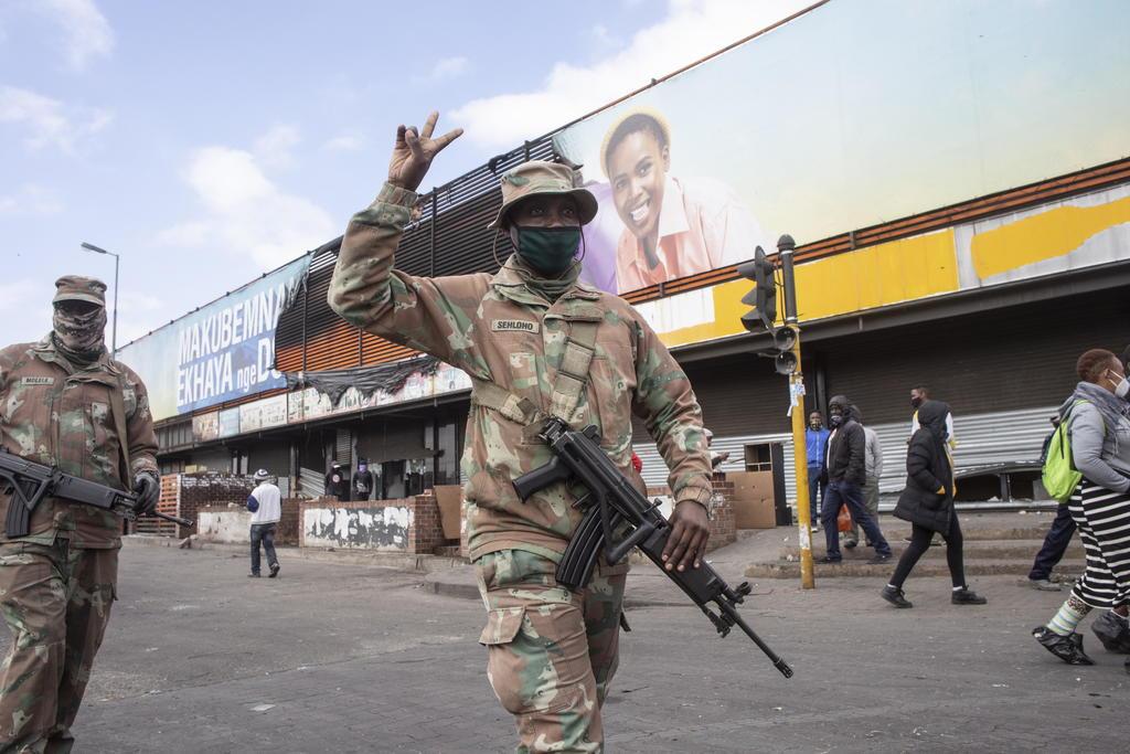 Aumentan a 212 los muertos por los disturbios y saqueos en Sudáfrica
