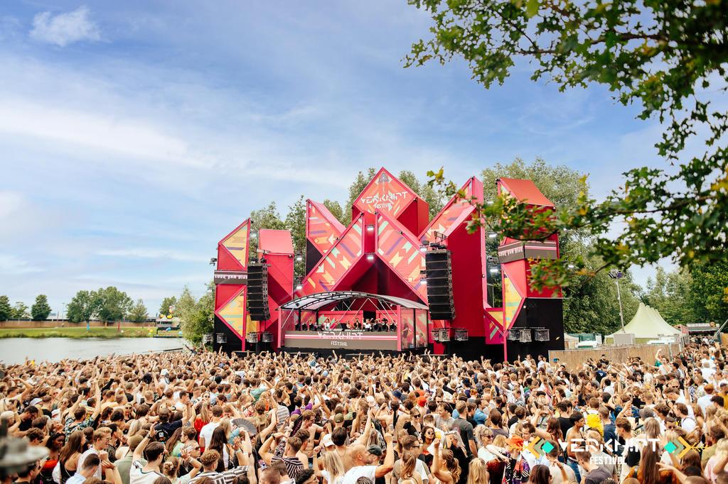 Festival 'experimental' sin cubrebocas deja alrededor de mil casos de COVID-19