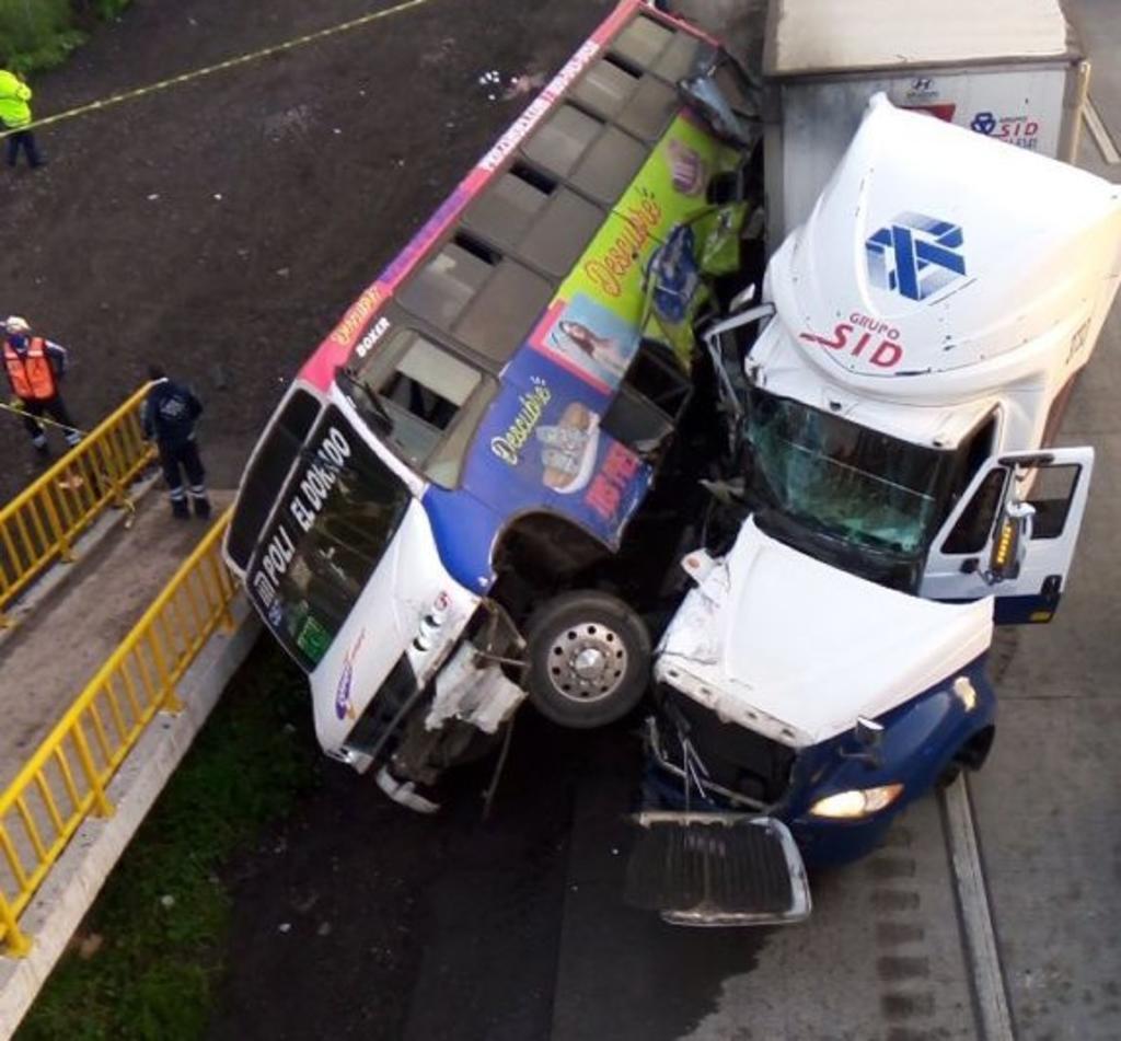 Cuatro personas mueren en accidente sobre autopista México-Querétaro