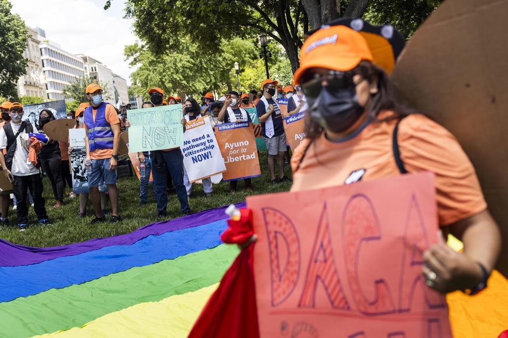 México lamenta fallo de juez de EUA contra programa DACA