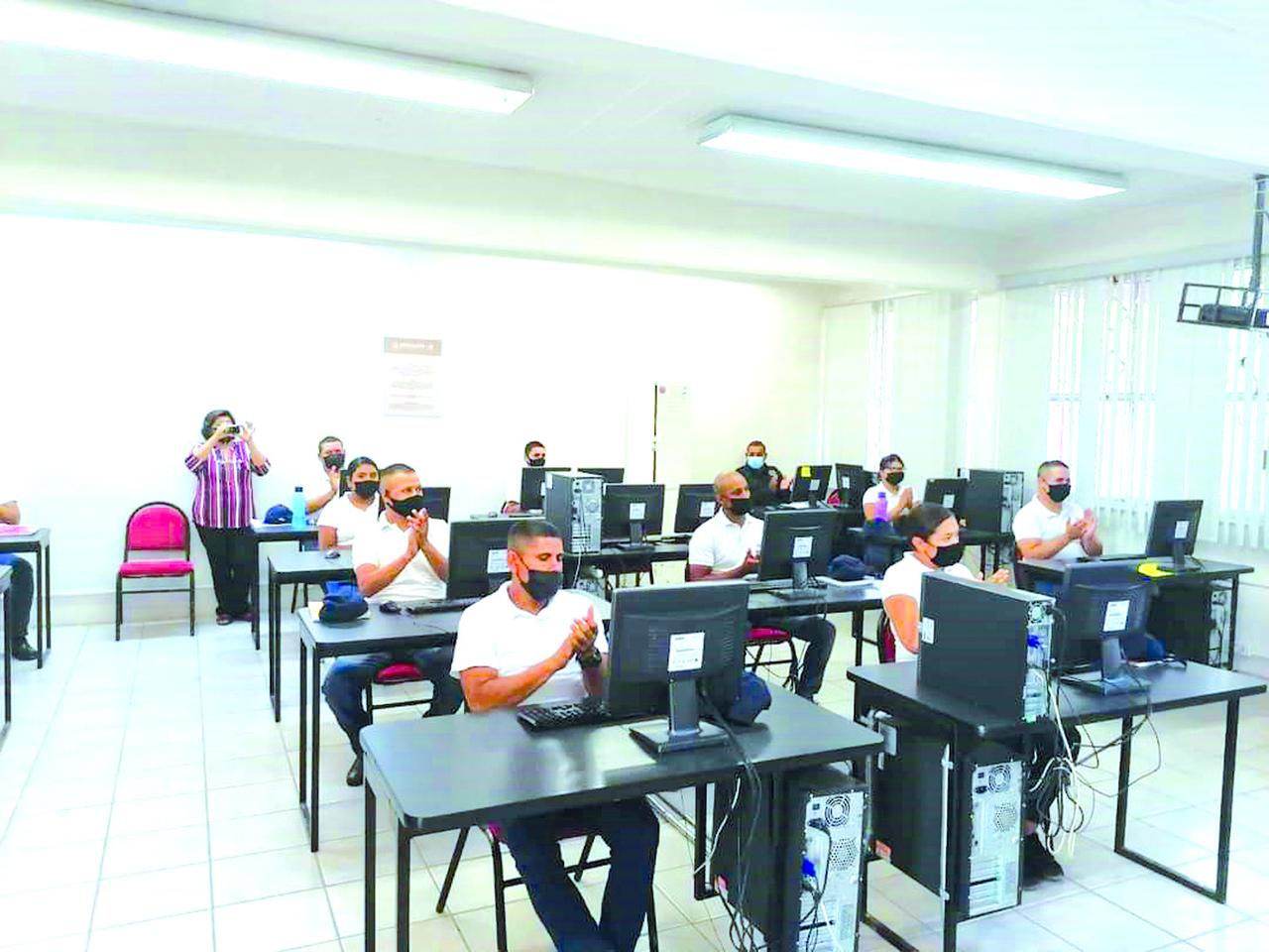 Prepara Academia en Gómez Palacio a 25 cadetes
