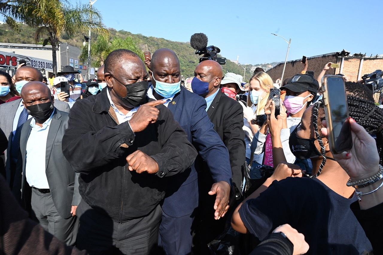 Suben a 212 los muertos por los disturbios en Sudáfrica