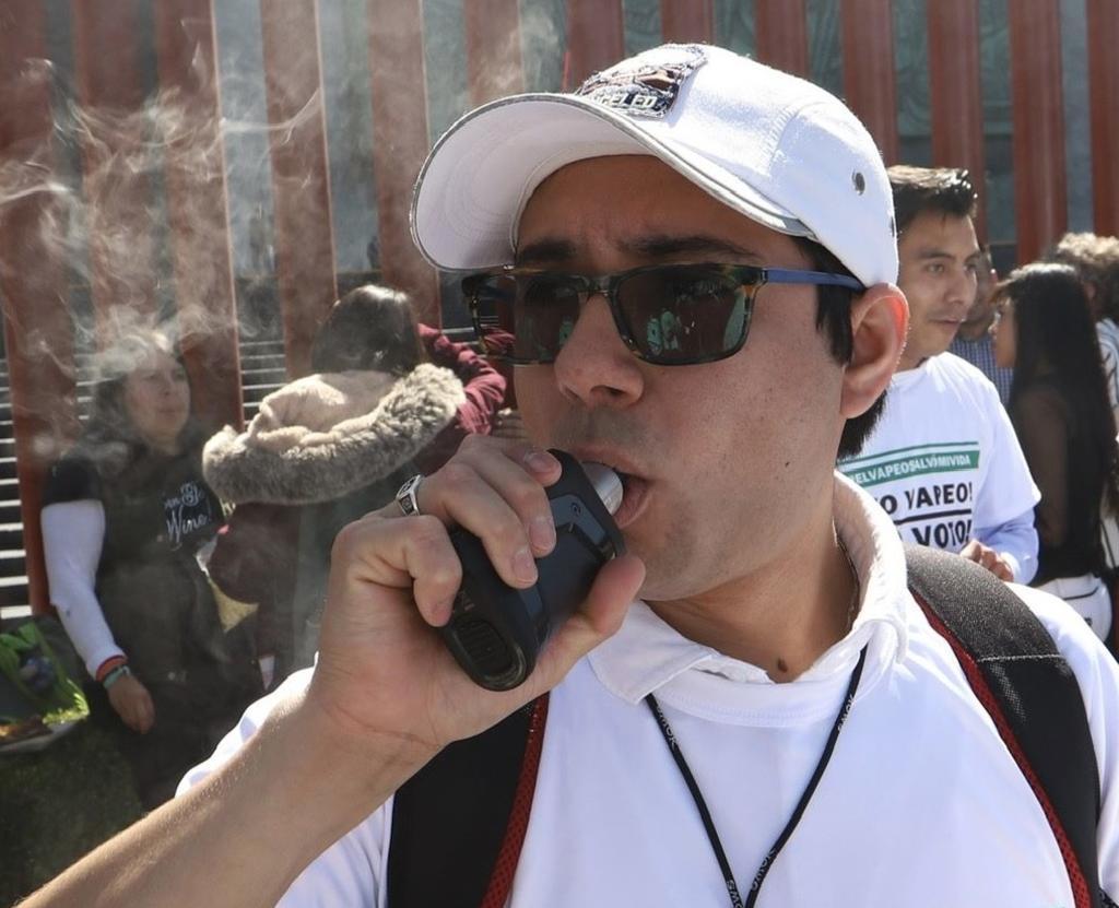 El Gobierno federal de México permitirá la importación y venta de dispositivos para calentar tabaco