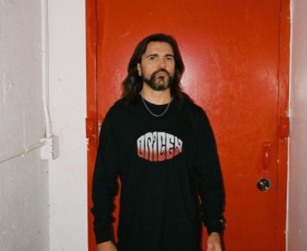 El comunismo es una mier...: Juanes