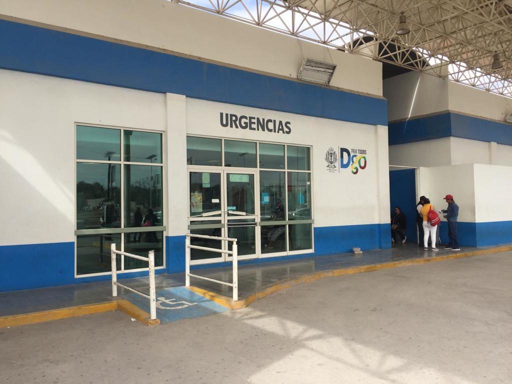 Mecánico sufre accidente al reparar una pipa en Cuencamé; está grave