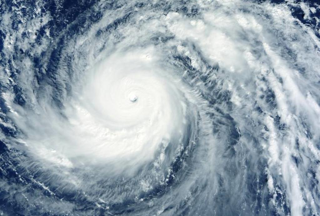 Ciclón 'Felicia' se mantiene en categoría 4 en el océano Pacífico