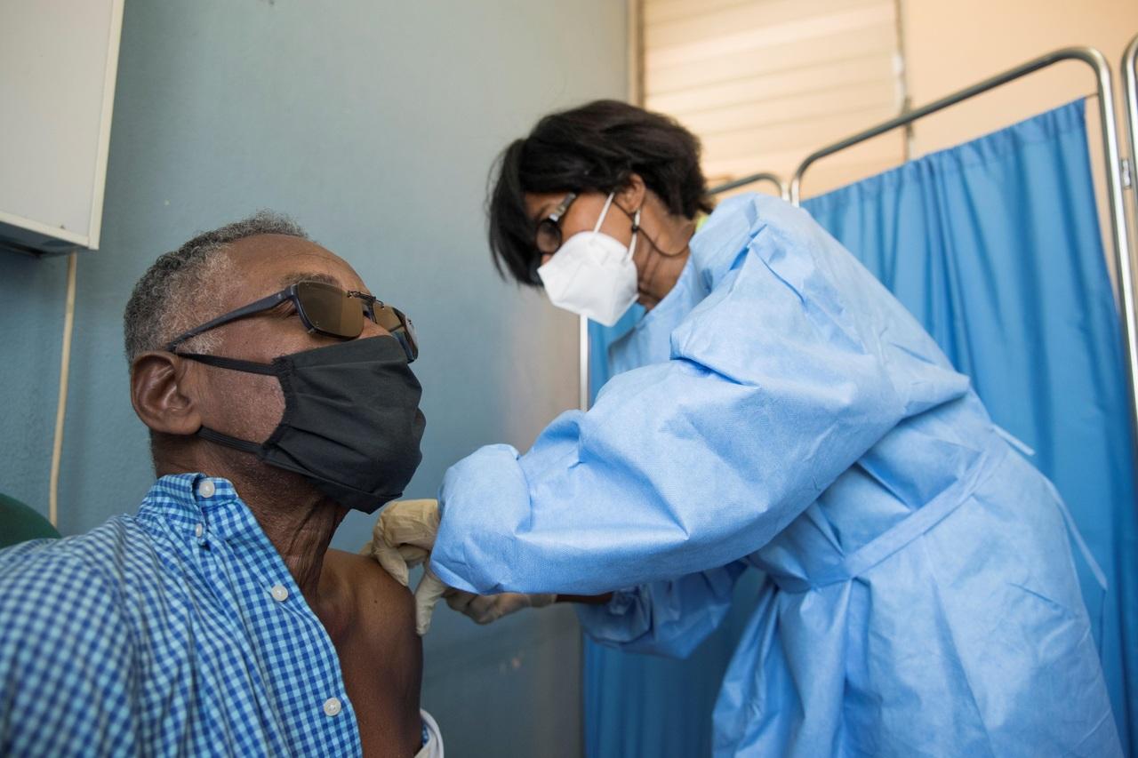Vacunación en Haití fluye muy lentamente