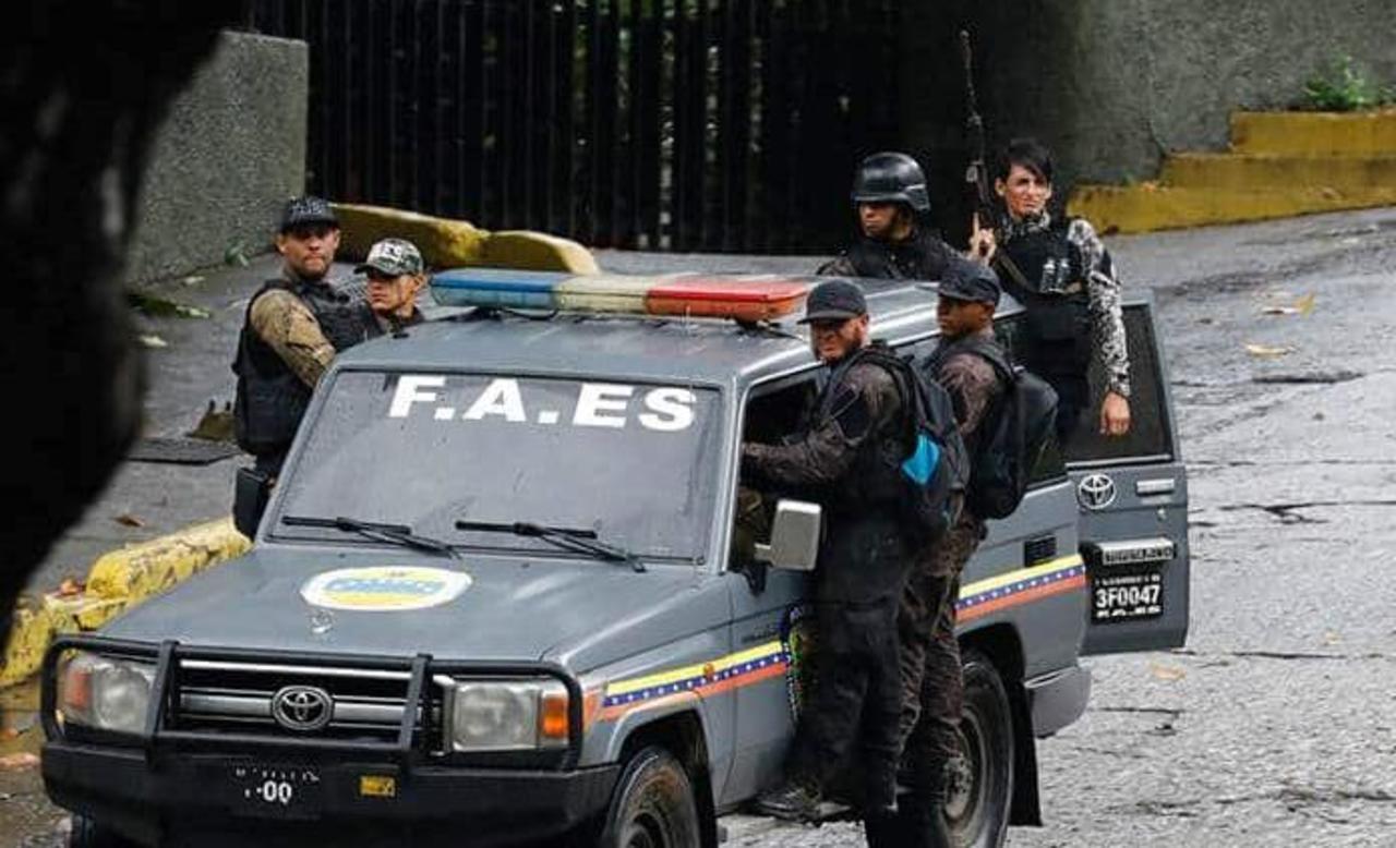 Sigue el combate a bandas en Venezuela