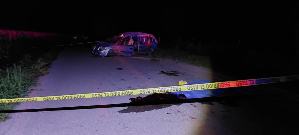 Adolescente muere y 3 resultan heridos tras sufrir volcadura en la Durango-Gómez Palacio